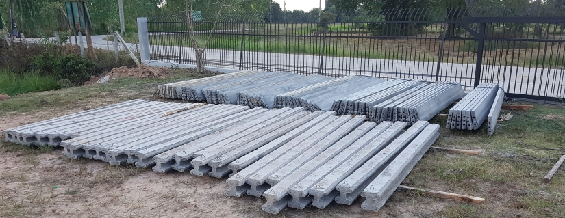 posts-and-planks-for-the-retaining-wall1.jpg